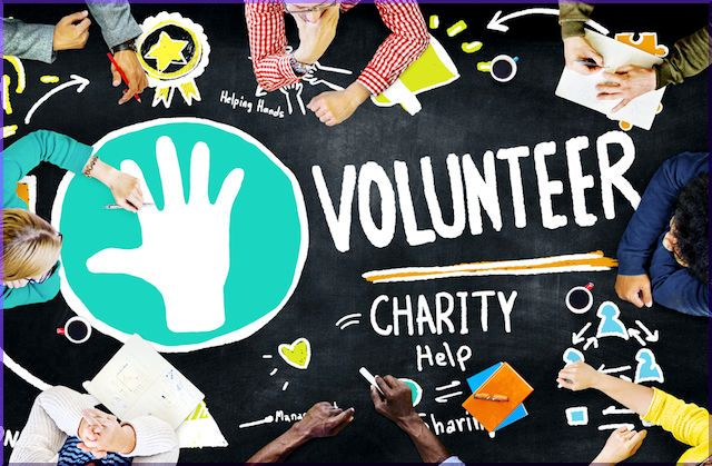 Considering Volunteering? How Giving Back Helps Your Career